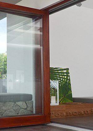 2 4 300x420 - Cửa nhôm kính vân gỗ